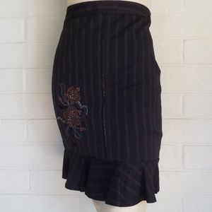 GUESS Jeans 26 gray copper pinstriped career skirt